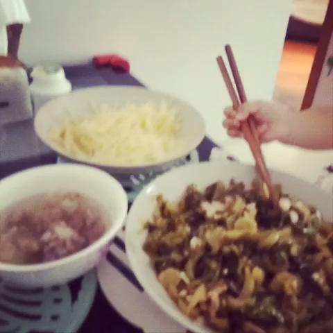 """吃饭咯 - chirewei2014的美拍"""""""