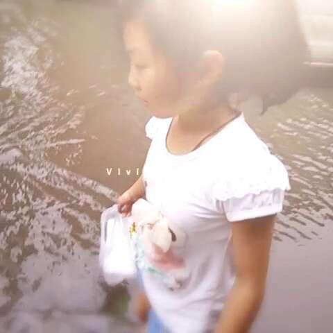 """雨中甜甜 - 菲菲831330的美拍"""""""