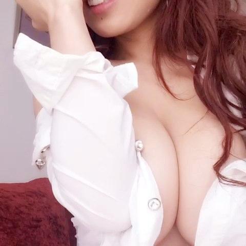 胡润曦的自拍视频  来看看我拍的MV,点此播放>>#美拍# 录制)