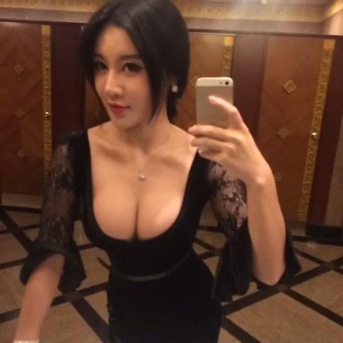 樊玲Jolie的自拍视频  发布会现场 #美拍# 录制)