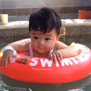 裸泳才是我最爱~