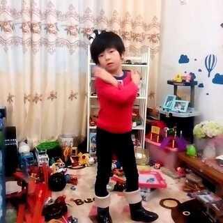 练习学校的韵律操<span class=