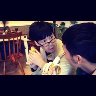【不是说香蕉通便么?我怎么没效果?😨】感谢搭档@刘满超 喜欢就关注点赞转发吧!私人微信号:ray65694380,#搞笑##我的朋友是逗比#