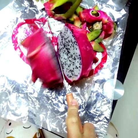 省盘子的火龙果吃法图片