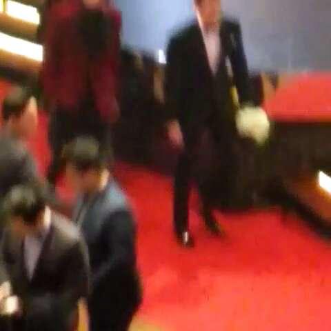 #金宇彬##崔振赫##51届韩国电影大钟赏# 一部结束出去休