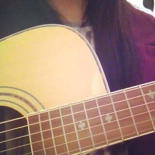#吉他弹唱# 这次换你们猜歌名啦😳不知道你们听过没。(今天21岁生日😳借由这首歌祝自己永远快乐下去~😜)