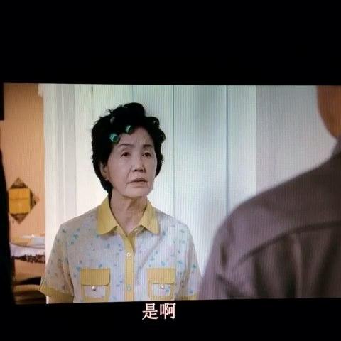 为什么韩国电影是给男性观众看的?找一个类型片的片段给你们,你