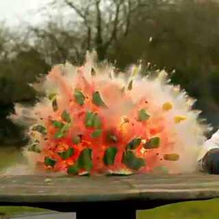 西瓜爆炸瞬间