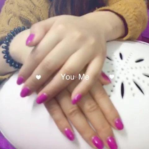 变色的指甲