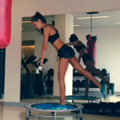 """#时尚##运动##健身#腿部,腰部,臂力,平衡性锻炼"""""""