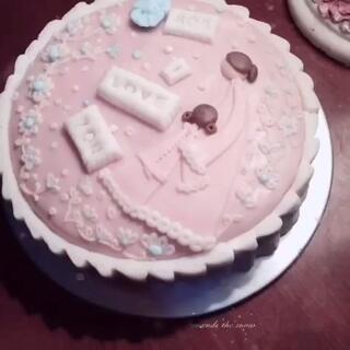 #我是吃货我自豪#自己做的翻糖蛋糕,很好吃的吆~
