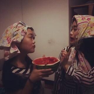 #天竺少女#你丫吃完的西瓜我当然不要!么么哒!😂😂😂😂😂😂