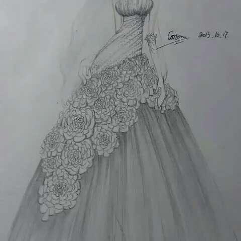 今天穿这样#美美哒婚纱铅笔画