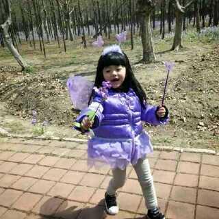 #世界那么大# 快乐的主题有你🎉最美的风景,最美的小妞😊