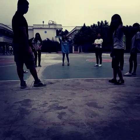 爱打篮球的男生