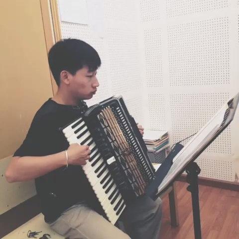 《匆匆那年》手风琴