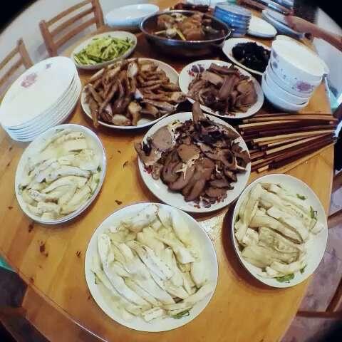 吃饭一家人