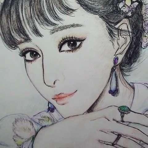 手绘彩铅画##范冰冰花仙子#