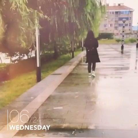 下雨天照样不撑伞