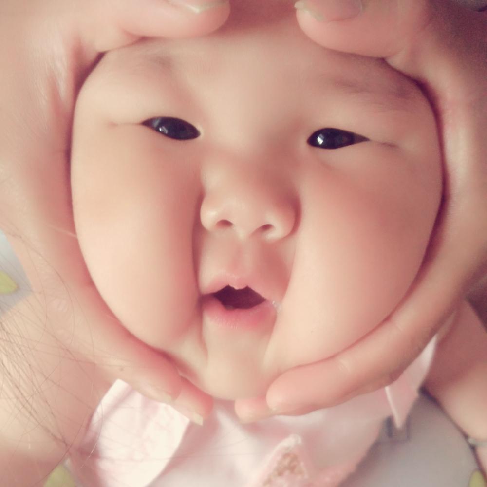 宝宝 壁纸 孩子 小孩 婴儿 1000_1000