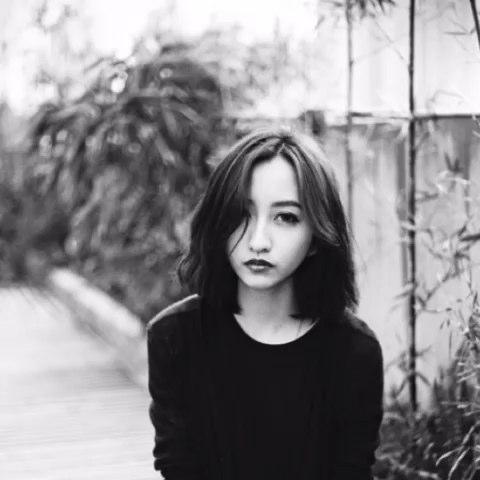 """翻起去年拍的片子。(摄影后期:@小俞Yoyo 出镜:虎牙妹"""""""