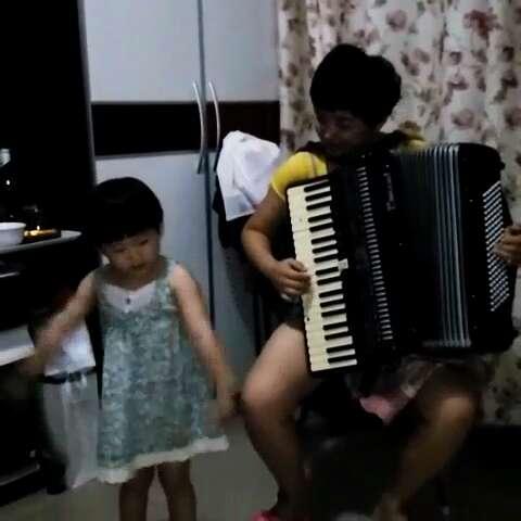 唱歌#我是一个兵!姥姥家特色拉手风琴