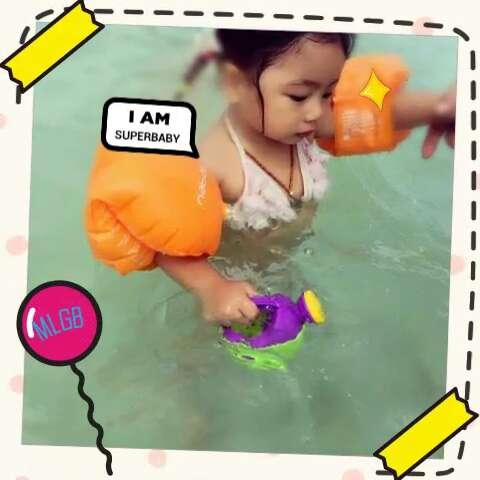 暑假带宝贝去泰国度假,两岁半的haya生平第一次坐飞机出远门,带这么小图片