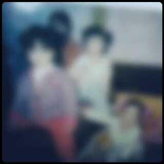 #小时候我长这样##晒晒小时候的照片#👣👣