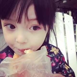 女神爱吃甜甜圈