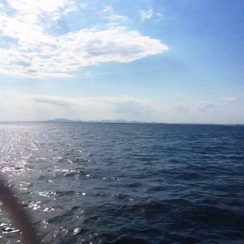 谁说蓝色代表忧伤 你看看天空与海洋