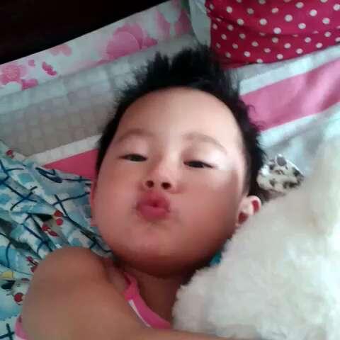 小宝贝睡醒啦图片
