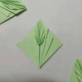 简单的树叶书签😊喜欢就get吧!看不懂的地方问我哦~#实用折纸##折纸书签##涨姿势#