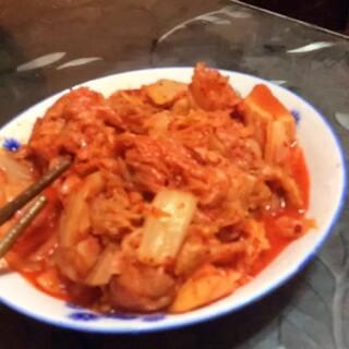 #辣白菜##韩国美食#特意买的辣白菜🌹👍,好吃😍,感觉离哥哥们又近了一步😳😂😂😂