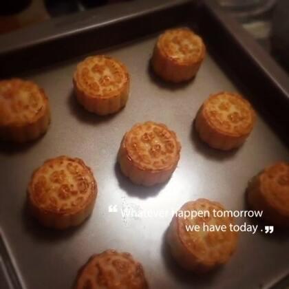 做月饼咯🌝~#美食##中秋节快乐#