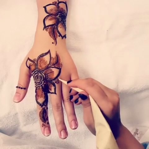印度海娜手绘##帮我上热门##曼海蒂##henna#花朵94