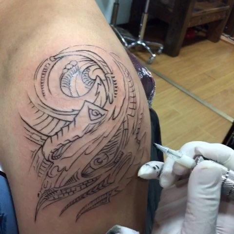 广州雕龙纹身^_^刺青^_^广州纹身
