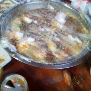 黑暗料理#食堂黑暗料理争霸赛#外婆生日,吃完饭后,黑暗料理就开始制作了,里面有:烟头,瓜子,龙虾壳,鱼骨,泡沫板的渣,牙签,辣油,王老吉,饮料,蛋糕🎂,锅里的剩菜和盘里的,花生牛奶,蛋糕的叉子,橘子等等(记不住了。。。。。。)
