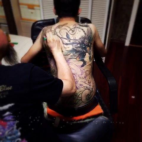 郑州纹身##纹身刺青#满背继续扎.
