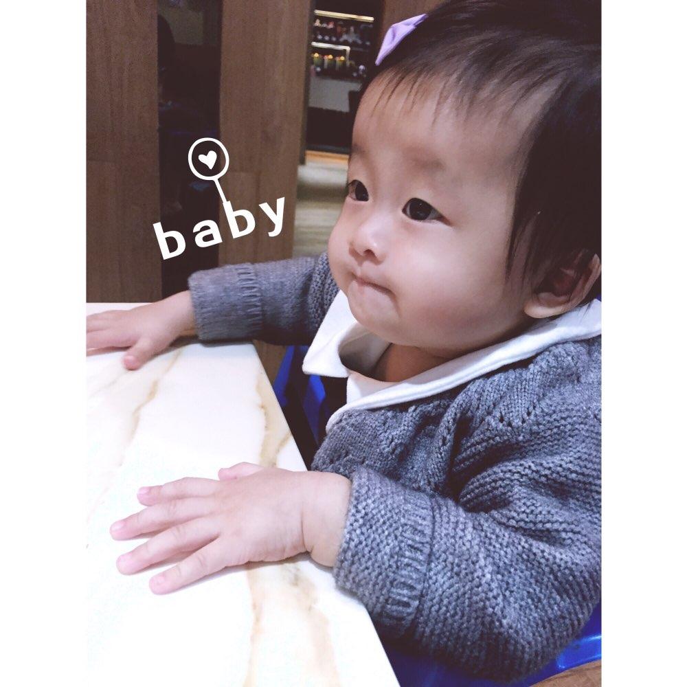 萌宝宝自拍秀图片