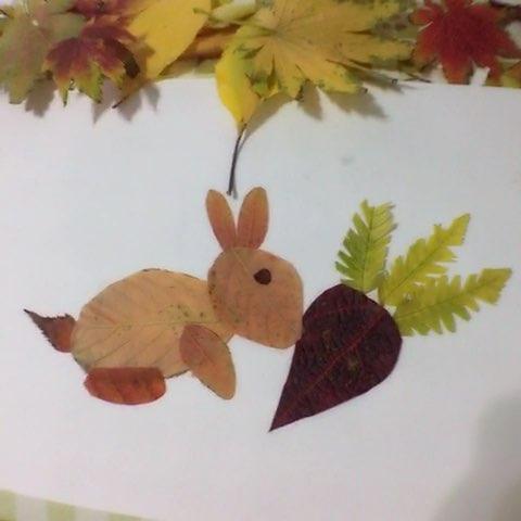 下午捡了一堆树叶,晚上陪着诺姐做树叶贴纸.#诺妈家的小日常##宝宝