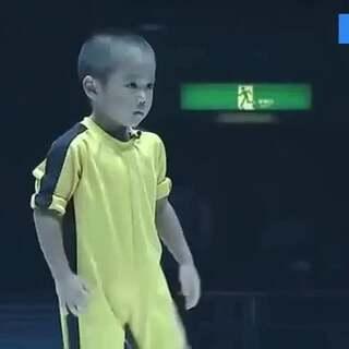 萌版李小龙