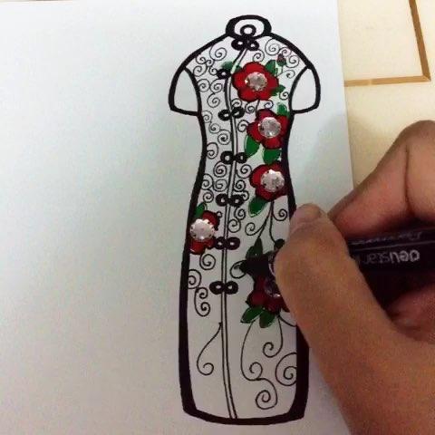 刚刚完成一个创意旗袍书签.