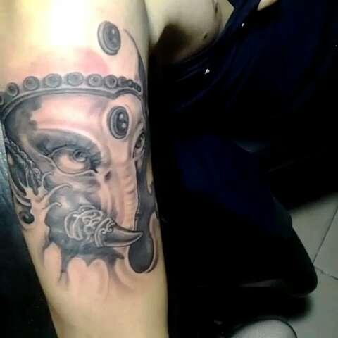 蛟龙纹身工作室qq号.383669550