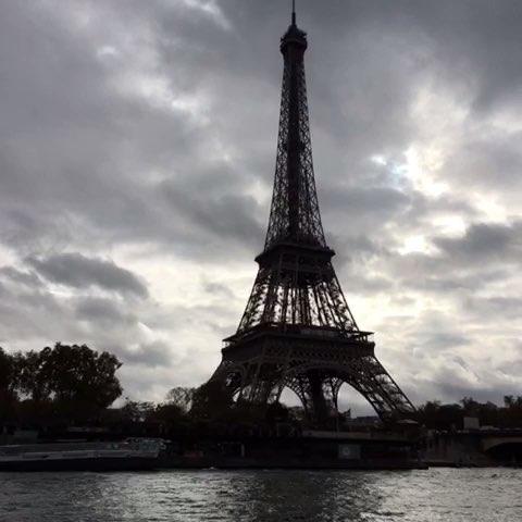 塞纳河游船00浪漫的埃菲尔铁塔