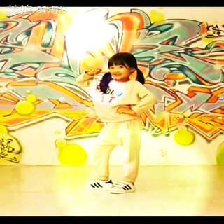 韩系小宝贝跳舞