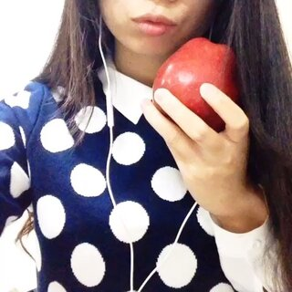 #圣诞节##直播削苹果##削苹果##削苹果大赛##削水果##削苹果不断皮#平安夜收到的苹果吃了么?一起来吃平安果☺
