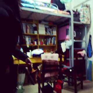 踢鞋大赛,😃😃😃#宿舍的日常##元旦快乐##周末##60秒美拍#