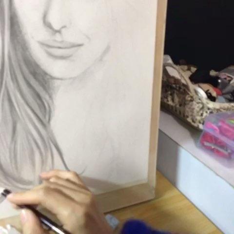 人物彩铅手绘##圆珠笔手绘#看过美拍的大师的画