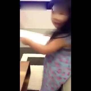 包子唱歌超好笑!#可爱宝宝##萌宝宝#