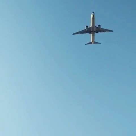 机场看飞机起飞了